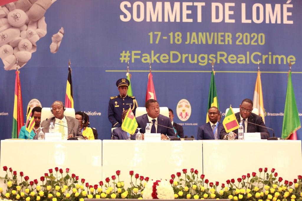 Faure Gnassingbe au sommet de lome contre les contrefacons de medicaments