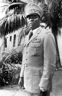 gnassingbe eyadema militaire